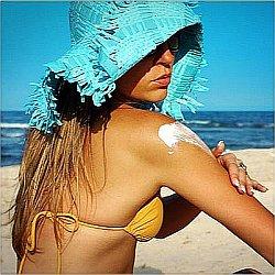 Как загорать на пляже безопасно
